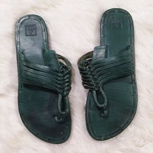 Frye Zoe Huarache green thong leather sandals 6